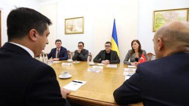 Photo of GÜNCELLENDİ – Ukrayna İstihbarat Teşkilatı başkanı Bakanov, Kıyiv Büyükelçisi Güldere'yi kabul etti
